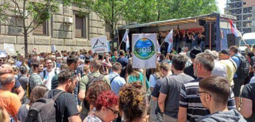 """U Beogradu održan protest """"Naša voda, naš vazduh, naše šume – naša životna sredina"""""""