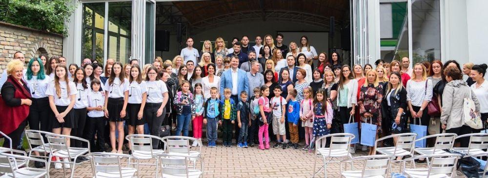 """Uručene nagrade najuspešnijima u okviru programa """"Za čistije i zelenije škole u Vojvodini"""""""